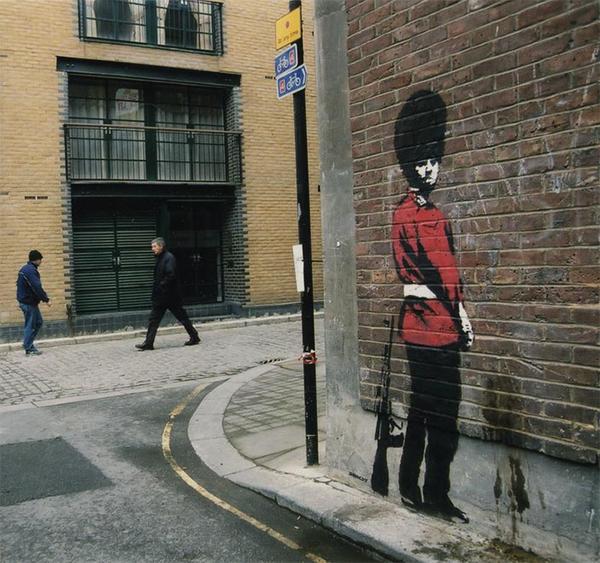 banksy arrestato a londra e rivelata la sua identit
