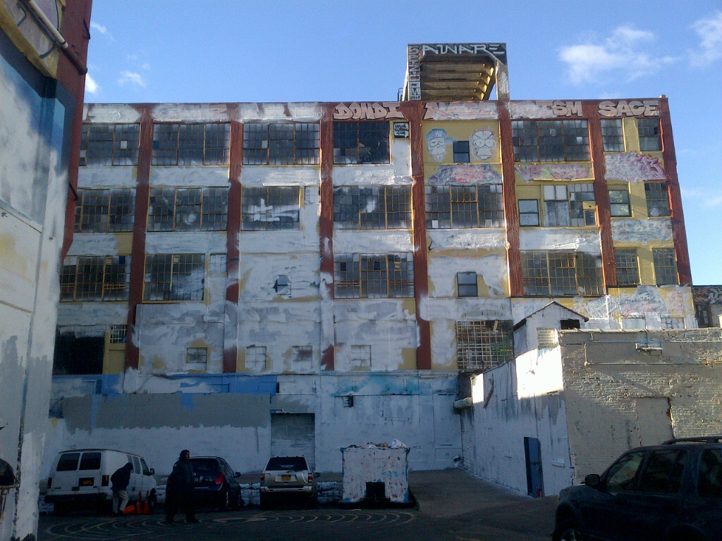 5pointz white2