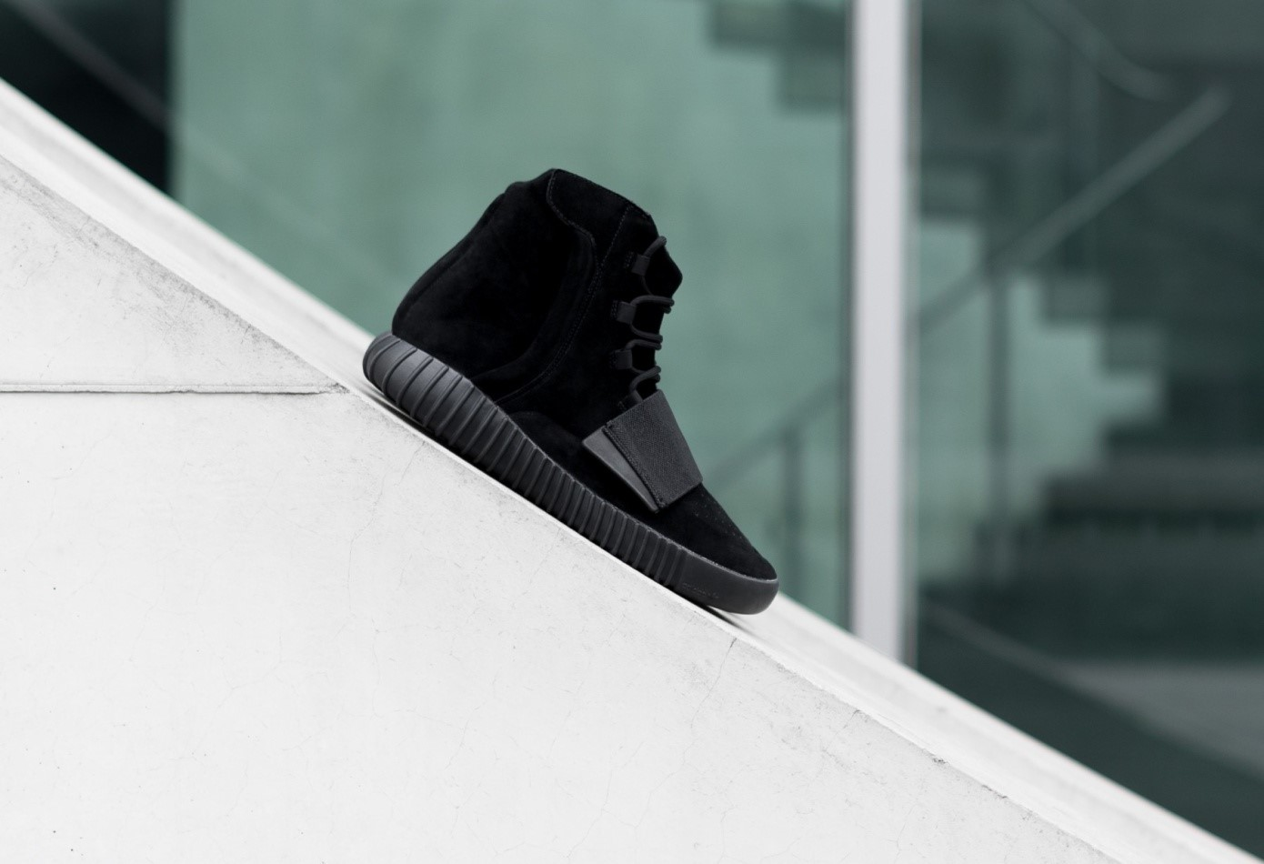 Yeezy_Boost_Black