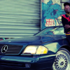 Joey Badass in giro su una Mercedes nel video di 500 Benz